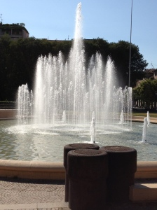 This fountain borders one edge of the normal park route... it starts to look really appealing by the 2nd lap